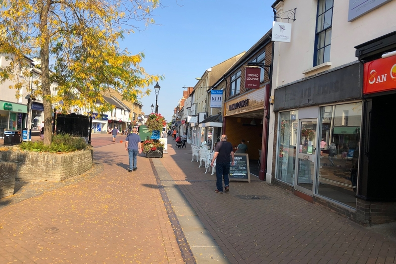 Retail Unit - Bicester - 1,006 sq.ft. (93.47 sq.m.) - TO LET