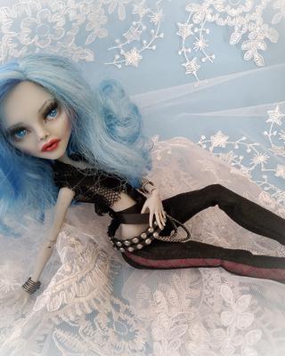 Sassy Ghoulia