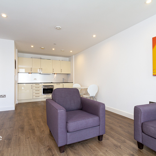 HAYES APARTMENTS CARDIFF CITY CENTRE FURNISHED ONE BEDROOM APARTMENT WITH PARKING