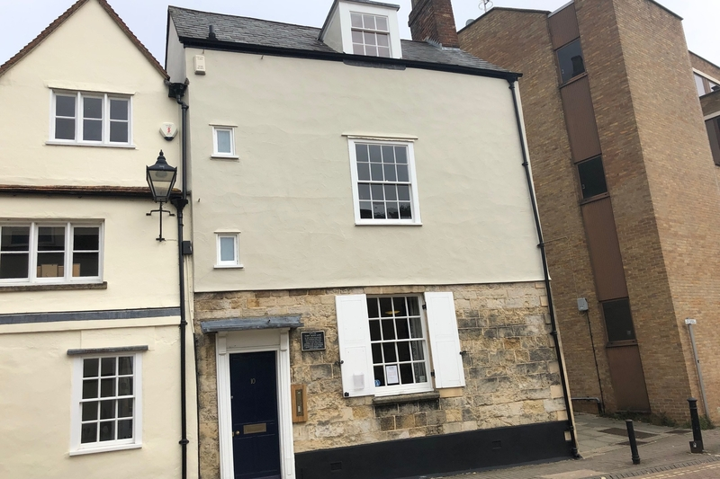 First Floor Offices - Oxford - 392 sq.ft. (36.45 sq.m.) - TO LET