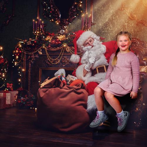 Christmas Photoshoot Experience With Santas Grotto!