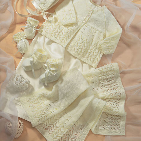 4-Ply Baby Coat & Accessories Pattern 1662