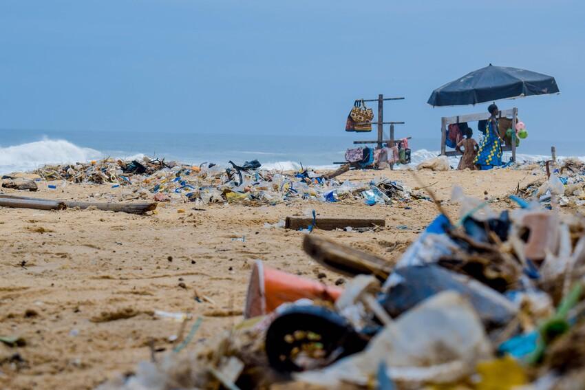 Rubbish Fact 8 - Black Friday & the Environment