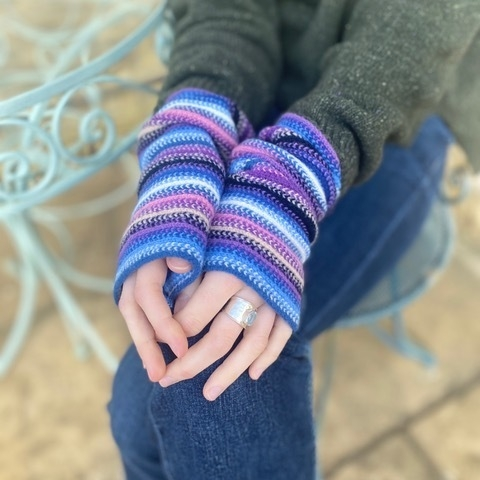 Stripy wrist warmers