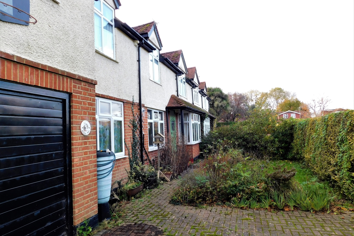 Scotts Way, Sunbury-On-Thames