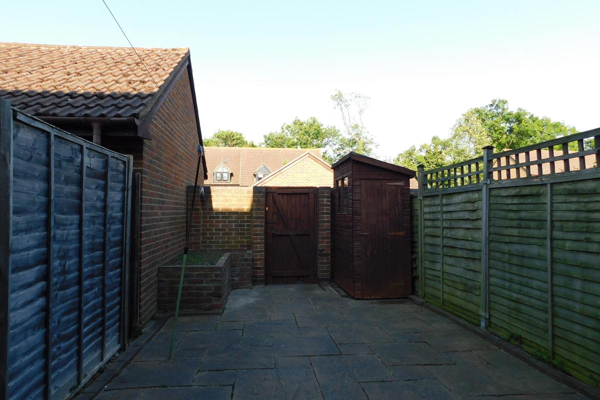 King George Close, Sunbury-On-Thames