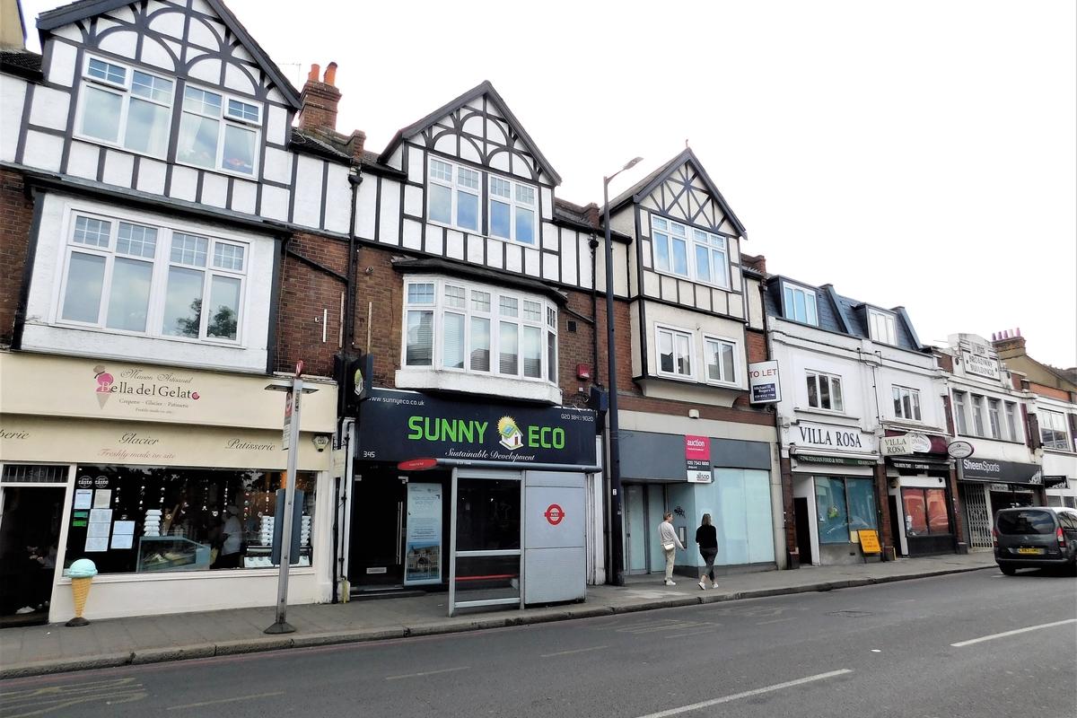 Upper Richmond Road West, Sheen