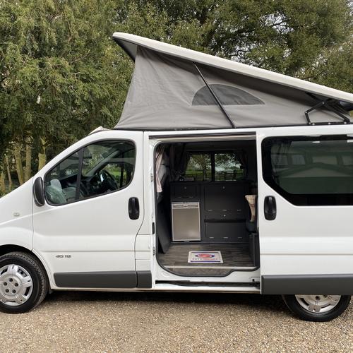 2011 Renault Trafic 2.0DCi Camper Van 2 Berth PRO Conversion Chapel Motorhomes