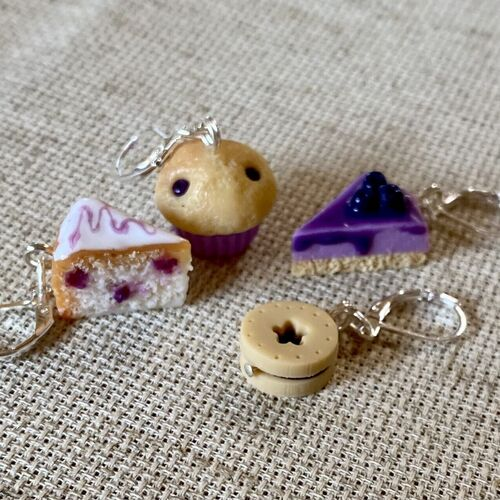Blueberry Cakes & Biscuits