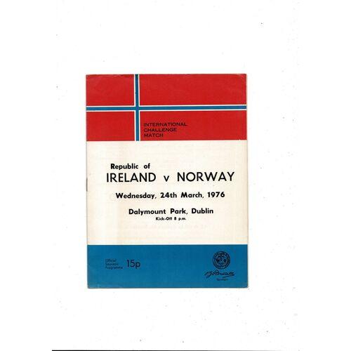 1976 Republic of Ireland v Norway Football Programme
