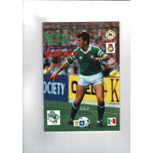 1990 Republic of Ireland v Russia Football Programme