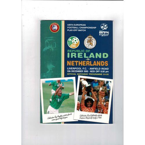 1995 Republic of Ireland v Holland Football Programme.