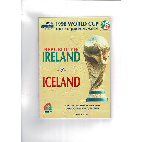 1996 Republic of Ireland v Iceland Football Programme.