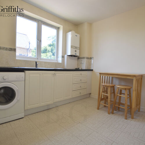 Renting In Penarth - 2 bedroom apartment - Part Furnished