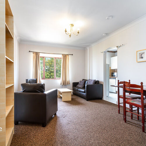 MARINERS HEIGHTS PENARTH FURNISHED TOP FLOOR TWO BEDROOM FLAT WITH VIEWS ACROSS CARDIFF BAY