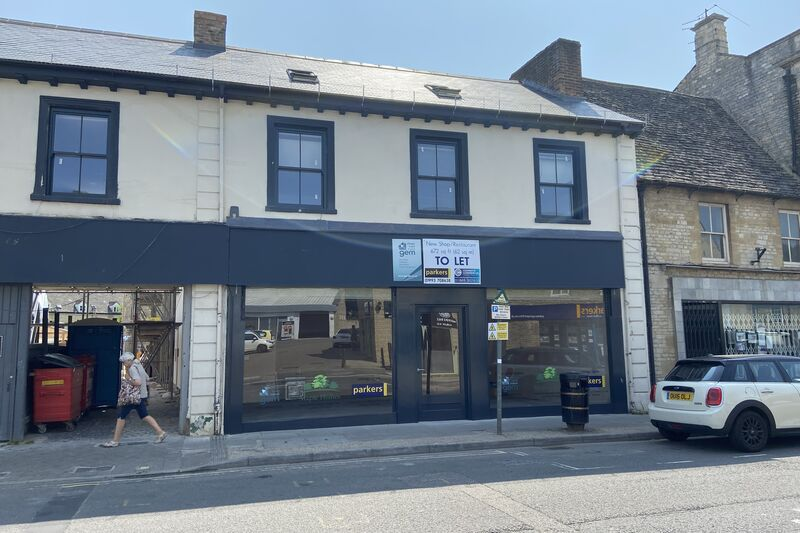 New Retail Unit - Witney - 672 sq.ft (62 sq.m.) - TO LET