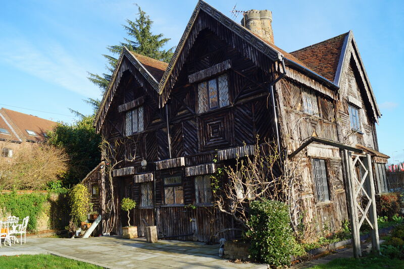 Cassiobury Lodge