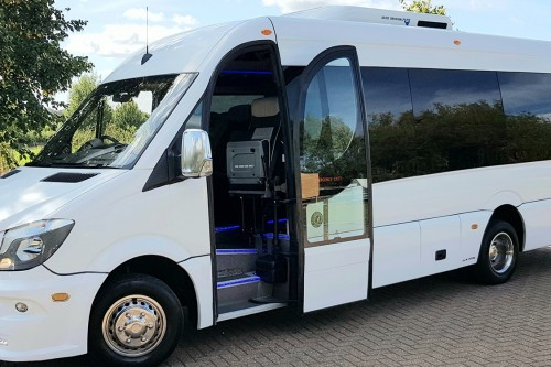 How to Finding Minibus Service in London