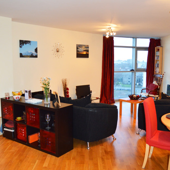 Renting in Cardiff - 2 bedroom apartment, Cardiff city centre - Beautifully presented 2 bedroom apartment in the heart of Cardiff city centre with parking & water rates included