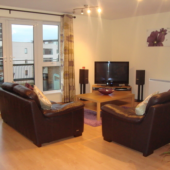Renting in Cardiff - 3 Bedroom Apartment, Cardiff Bay