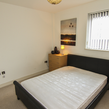 WATERQUARTER CARDIFF BAY FURNISHED TWO BEDROOM PENTHOUSE WITH BALCONY AND WATER VIEWS