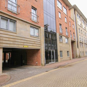ST STEPHENS MANSIONS CARDIFF BAY FULLY FURNISHED TWO BEDROOM APARTMENT