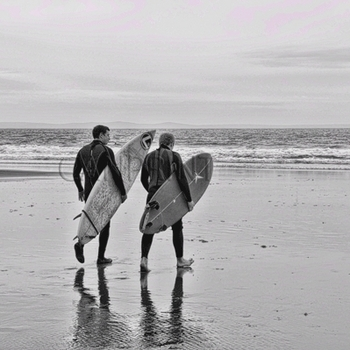 Surfers Caswell