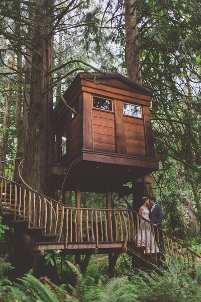 The Great Outdoor Wedding - in a Tree House!