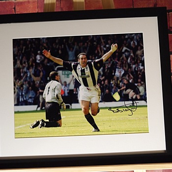 Bob Taylor Signed West Bromwich Albion Photo