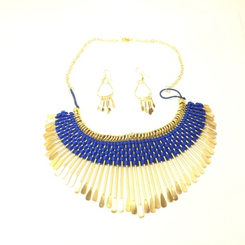 Blue Thread Bib Necklace set