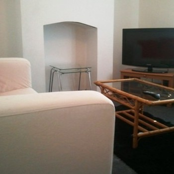 Budget Town Centre House By St Pauls University Campus For 3 People