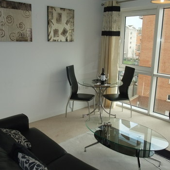 CENTURY WHARF CARDIFF BAY FULLY SERVICED STUDIO APARTMENTS FROM £60 PER NIGHT