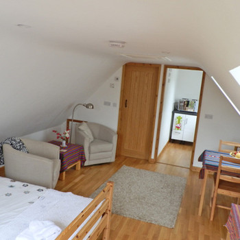 Stylish, Double Studio for Two In New Barn Lane Cheltenham