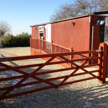 Cotswold View 2 bedroom Chalet, Gotherington