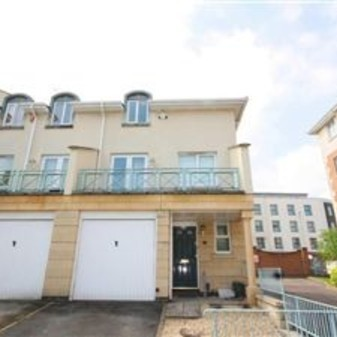 Regency Mews 5 Bedroom 3 Bathroom Town house with Garden