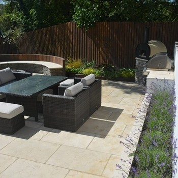 Robert Hughes Garden Design & Landscaping