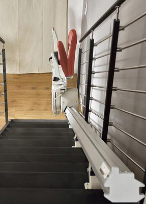 Calderdale Stairlifts Ltd - Platinum Stairlifts Horizon