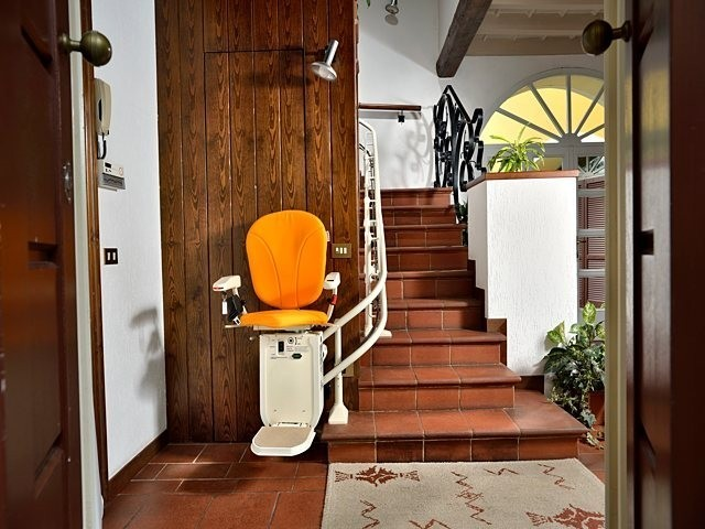 Calderdale Stairlifts Ltd  Platinum Stairlifts Curve