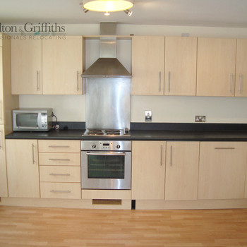 2 Bedroom apartment, Cardiff Bay