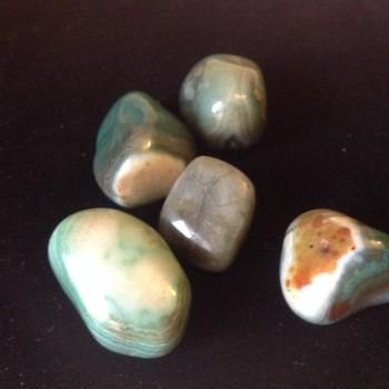 Agate - Green Banded Tumblestone