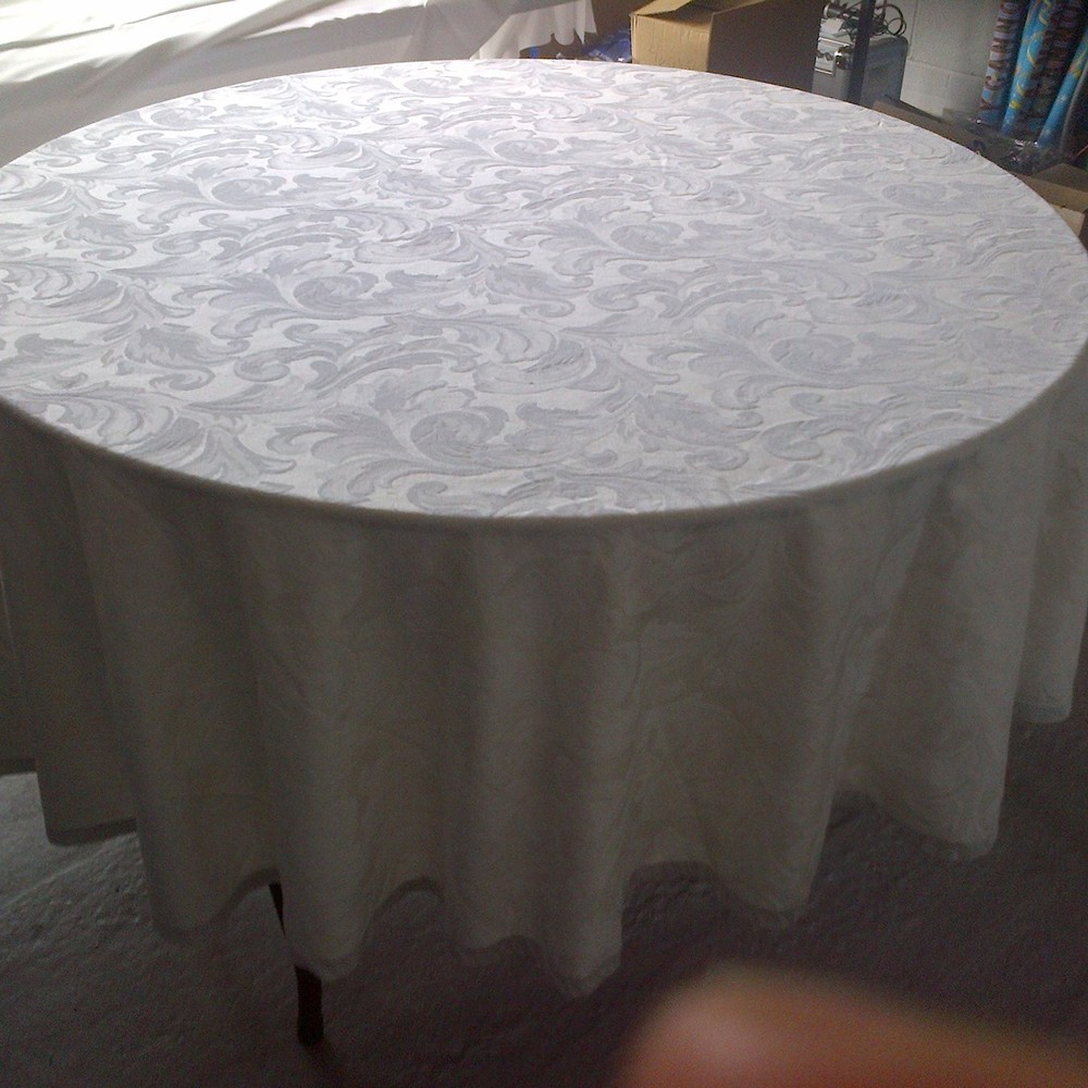 Banqueting Table - Round 4' and 5'