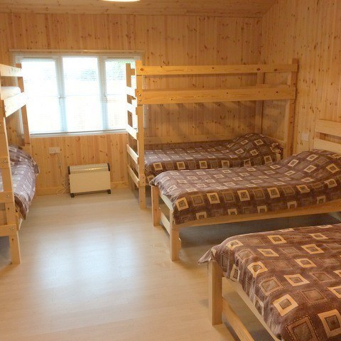 Tewkesbury open plan chalet with 10 beds