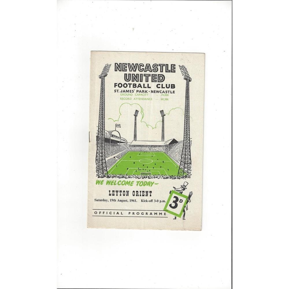 1961/62 Newcastle United v Leyton Orient Football Programme