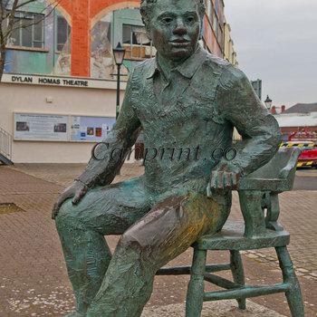 Dylan Thomas Statue Swansea