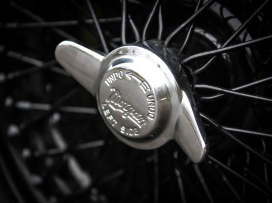 Morgan Parts - 2 eared wheel spinner