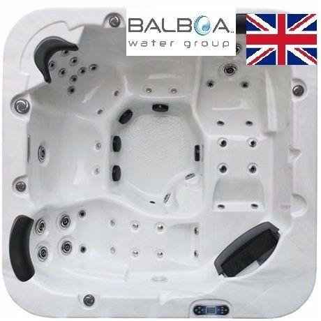The Kensington British Model Hot Tub / 5 Seater / Twin Lounger / 32amp