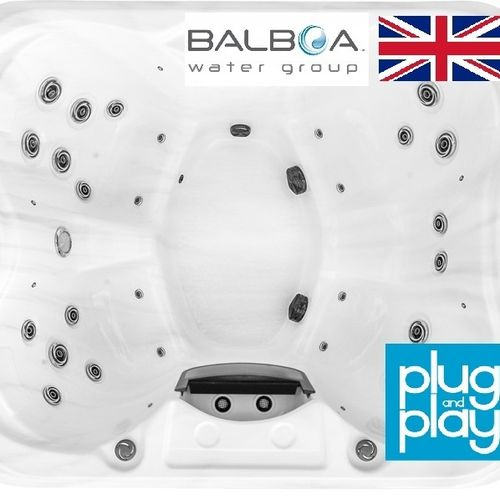 The Chelsea British Model Hot Tub / 5 Seater / No Lounger / Plug and Play 13amp