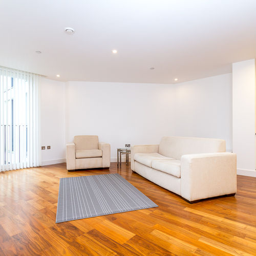 HAYES APARTMENTS CARDIFF CITY CENTRE FULLY FURNISHED APARTMENT