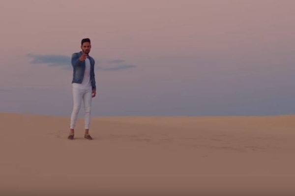 Pav Dharia Got Arab Guys Dancing In His New Punjabi Song Video - Na Ja
