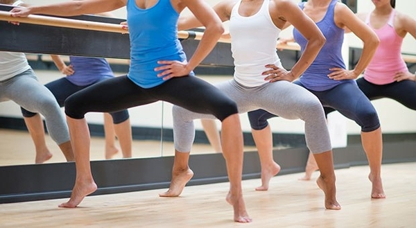 Barre class is Back! Fridays 1700-1800 - perfect for the weekend.